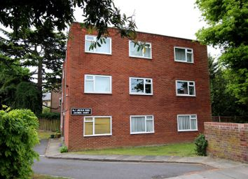 Thumbnail 2 bed flat for sale in Lincoln Road, Enfield
