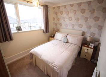 Thumbnail 2 bed flat to rent in Rouel Road, London