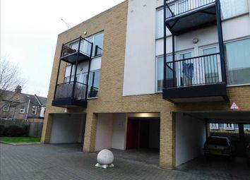 2 bed flat to rent in Ravens Court, Admirals Way, Gravesend DA12