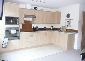1 bed flat to rent in Cygnet House, 45-47 High Street, Leatherhead KT22