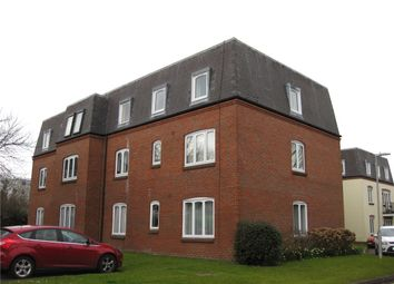 2 bed flat to rent in Victoria Gardens, Newbury, Berkshire RG14