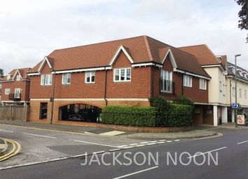 Cheam Road, Ewell, Epsom KT17. 2 bed flat to rent