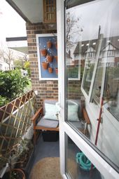 Thumbnail Flat to rent in Wricklemarsh Road, Blackheath