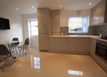 Thumbnail 4 bed flat to rent in Stanford Place, Walworth