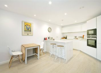 Thumbnail 2 bed flat to rent in New North Road, Islington