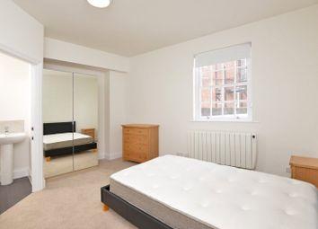 Room to rent in Flat 3, 50 Magdalen Street, Exeter, Devon EX2