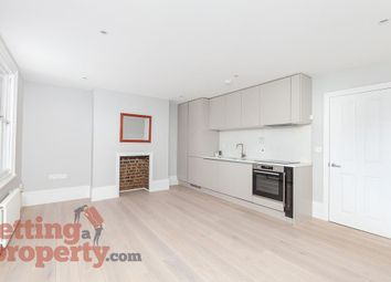3 bed maisonette to rent in Gateway Mews, Shacklewell Lane, London E8