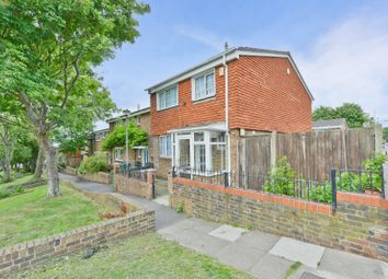 3 bed terraced house to rent in Raglan Road, Woolwich, London SE18