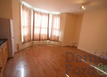 Thumbnail 2 bed flat to rent in Well Street, Hackney, London