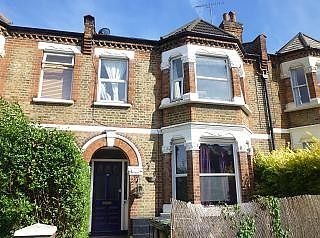 Thumbnail 2 bedroom flat to rent in Stondon Park, London