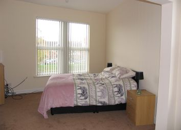 Thumbnail 3 bed shared accommodation to rent in Dewsbury Road, Leeds