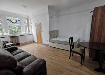 Thumbnail Flat to rent in Park Drive, Bradford