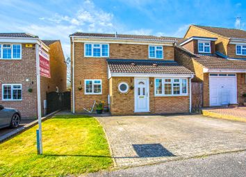 4 bed property for sale in Edmonds Close, Page Hill, Buckingham MK18