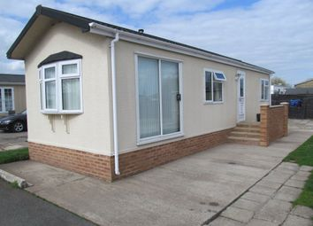 Thumbnail 2 bedroom mobile/park home for sale in Castle View Park (Ref 5874), Tolney Lane, Newark, Nottinghamshire