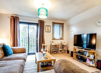 Thumbnail 2 bedroom flat for sale in Beechgate, Witney