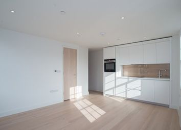 3 King Georges Walk, Esher KT10. Studio to rent
