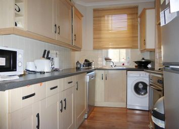 Thumbnail 2 bed flat to rent in Lower Richmond Road, Putney, London
