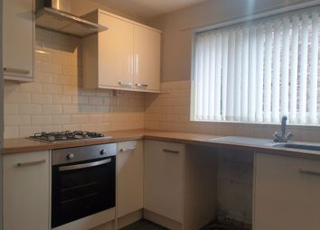 2 bed flat to rent in Chanterlands Avenue, Hull HU5