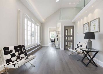 Thumbnail 4 bedroom flat to rent in Arkwright Road, Hampstead