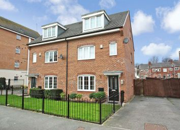 Thumbnail 4 bed town house for sale in Priory Chase, Pontefract