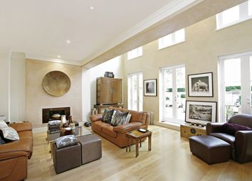 5 bed property to rent in Tatham Place, Acacia Road NW8