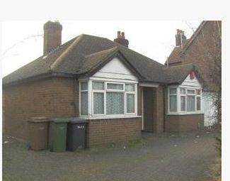 Thumbnail 2 bedroom detached bungalow for sale in Beechwood Road, Luton