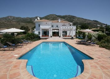 Thumbnail 6 bed villa for sale in Mijas, Spain