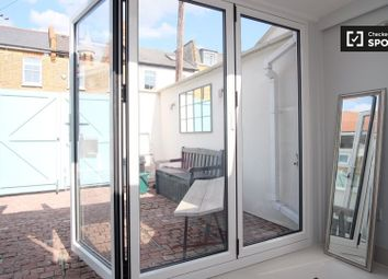 1 bed property to rent in Cross Street, London SW13