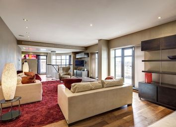 Thumbnail 3 bed flat to rent in North Row, Mayfair, London