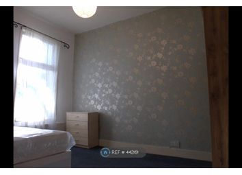 Room to rent in Reighton Road, London E5