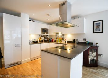 Thumbnail 3 bed maisonette to rent in Dowells Street, Greenwich