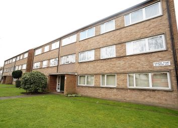 2 bed flat to rent in Turnpike Court, Crook Log, Bexleyheath DA6