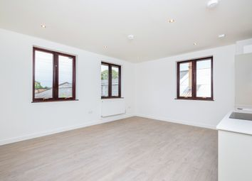 Thumbnail 1 bed flat to rent in Hanworth Lane, Chertsey