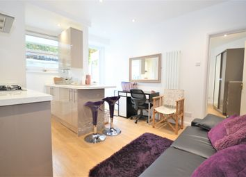 Thumbnail 1 bed flat to rent in Dewsbury Court, Chiswick, London