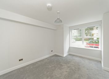 2 bed flat to rent in Demesne Road, Whalley Range, Manchester M16
