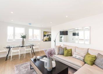 Thumbnail 2 bed flat for sale in Taybridge Road, Clapham Common North Side