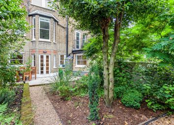Lucerne Road, London N5. 2 bed flat for sale