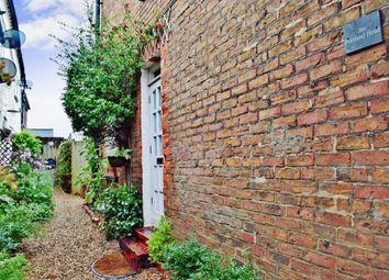 Thumbnail 3 bed cottage to rent in Bilsham Road, Yapton, Arundel