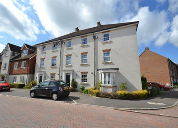 Thumbnail Property to rent in Brookfield Drive, Horley