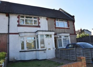 4 bed shared accommodation to rent in Hook Road, Epsom, Surrey KT19