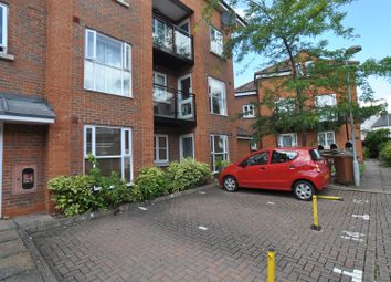 Thumbnail 2 bed flat for sale in Bancroft, Hitchin