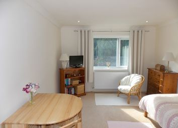Thumbnail 1 bed flat to rent in Hill Rise, Woodstock