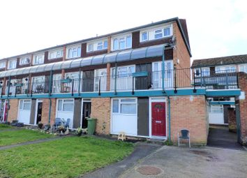 2 bed maisonette for sale in Queens Court, Alexandra Road, Farnborough, Hampshire GU14