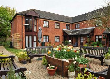 Thumbnail 2 bedroom property for sale in Roseacre Gardens, Welwyn Garden City, Hertfordshire