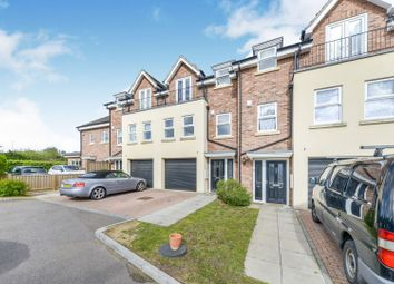 Thumbnail 4 bedroom town house for sale in Dixons Hill Road, Hatfield