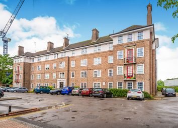 Thumbnail 2 bed flat to rent in Bishopric Court, Horsham