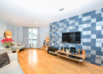 Thumbnail 1 bed flat to rent in Limeharbour, Isle Of Dogs