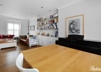 Thumbnail 4 bed flat to rent in Kempsford Gardens, London