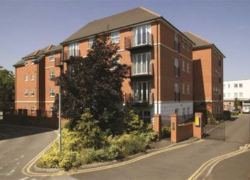 Thumbnail 2 bed flat to rent in Market Street, Newbury