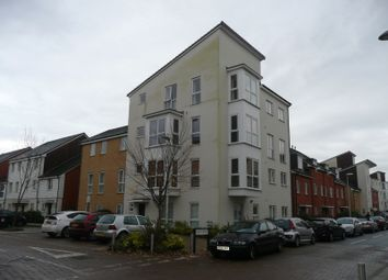 Thumbnail 2 bed flat to rent in Gweal Avenue, Reading